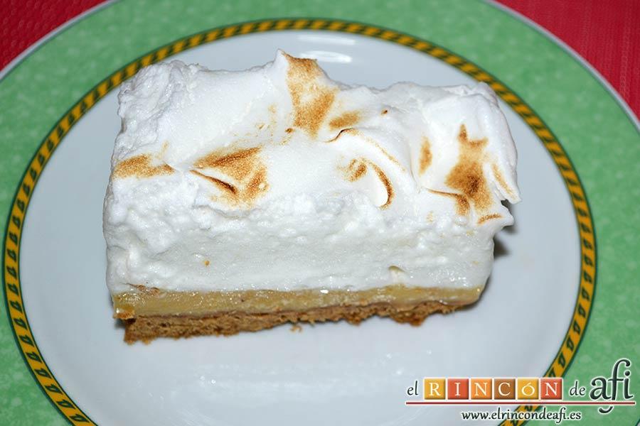 Pastelitos de crema de limón y merengue, sugerencia de presentación
