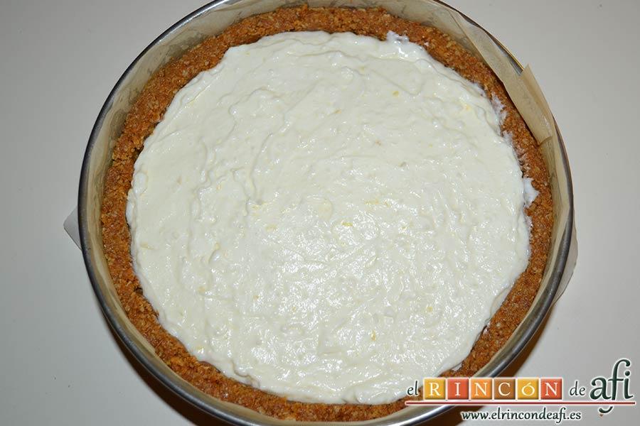 Tarta de Ricotta, terminar de mezclar y verter sobre el molde