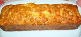 Cake de lacón, queso, pera y anacardos