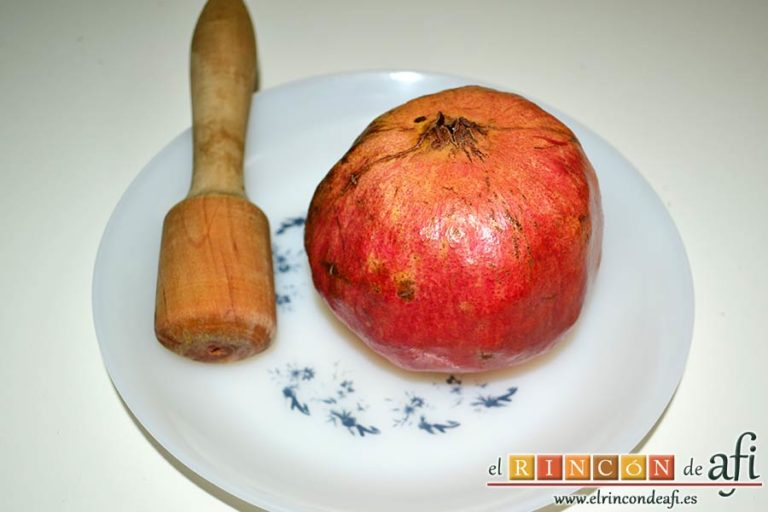 Estofado de solomillo de cerdo estilo Afi, desgranar una granada
