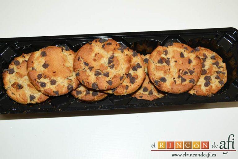 Tarta cebra de queso, yogur y moras, preparar las galletas