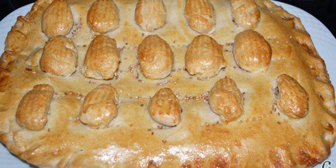 Empanada de langostinos y cebolla caramelizada