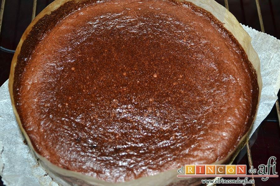 Flan de chocolate al horno, dejar enfriar y desmoldar
