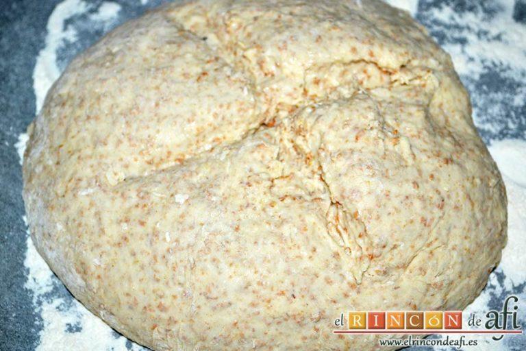 Pan de soda simple, hacer un corte profundo en forma de cruz