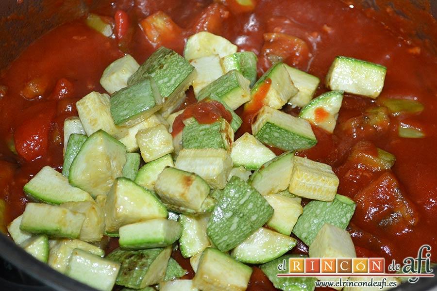 Pisto de verduras a la turca, añadir los calabacines