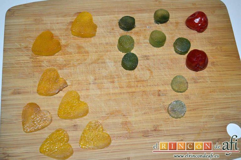 Roscón de hojaldre para Reyes, preparar la fruta confitada para la decoración