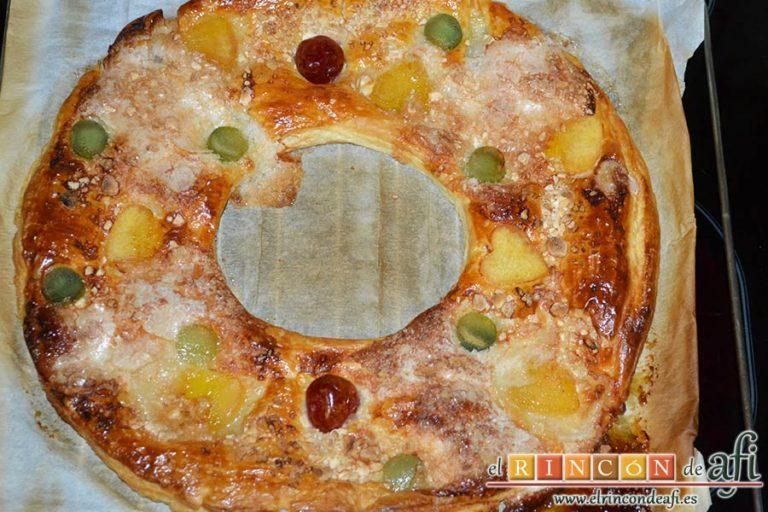 Roscón de hojaldre para Reyes, hornear