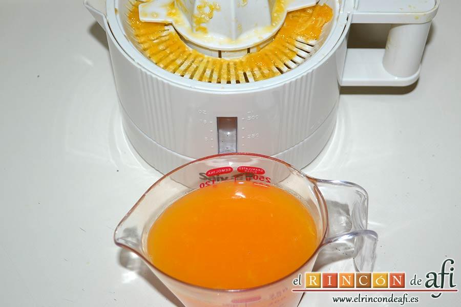 Tiramisú de frambuesas con almíbar de naranja, exprimirlas