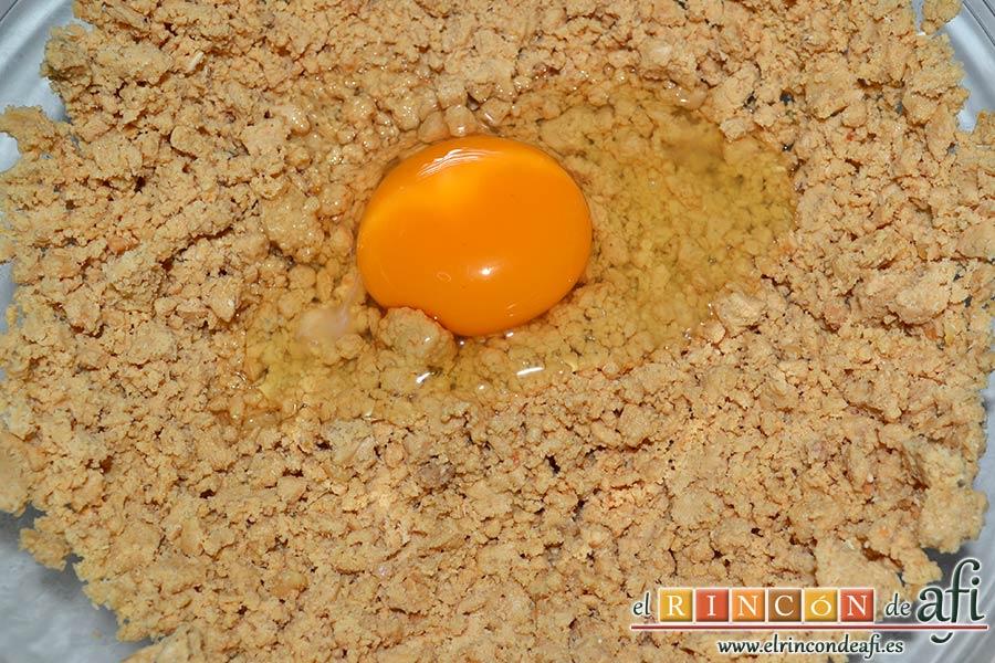 Galletas de turrón de Jijona, añadir el huevo