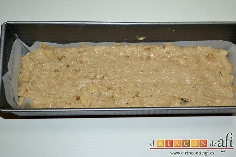 Pan especiado francés, volcar la mezcla en un bol