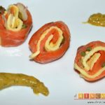 Rollo de salmón y tortilla