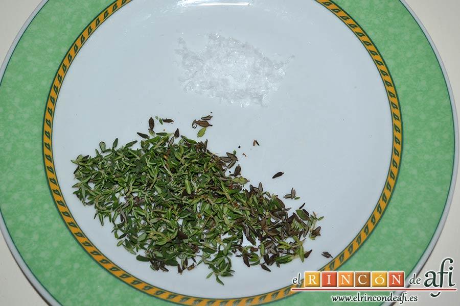 Pan de aceite con aroma de tomillo, preparar la sal y las hojitas de tomillo
