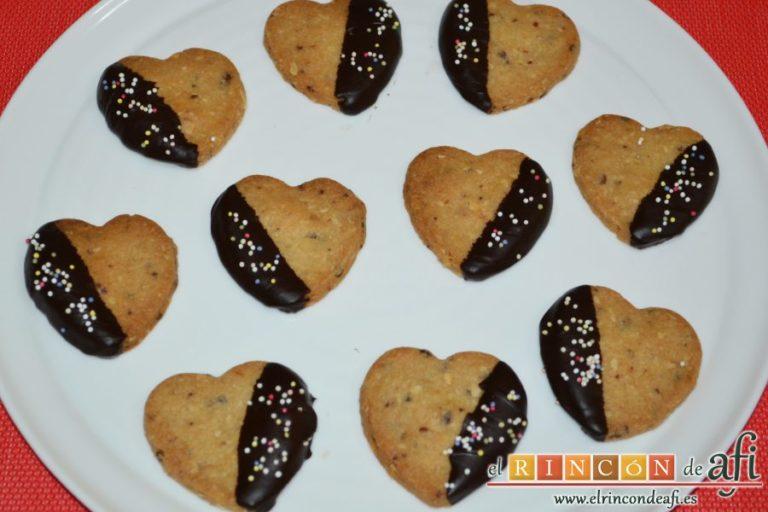 Galletas de corazón, presentar en plato