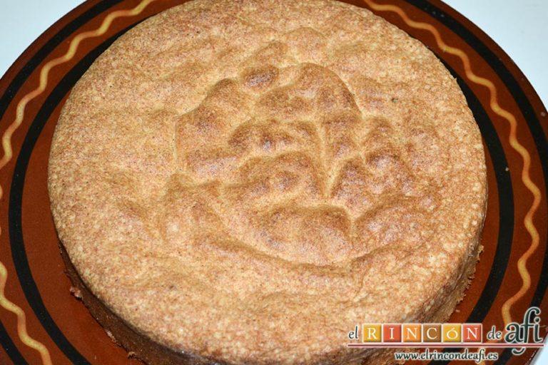 Gâteau de almendra, enfriar y desmoldar