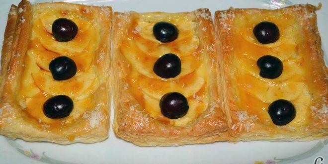 Pasteles de manzana y crema pastelera