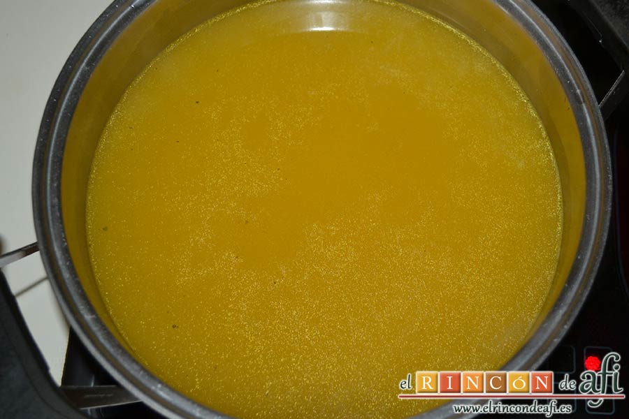 Cocido vegetal con escabeche de tomate seco, escurrir el caldo para hacer una sopa