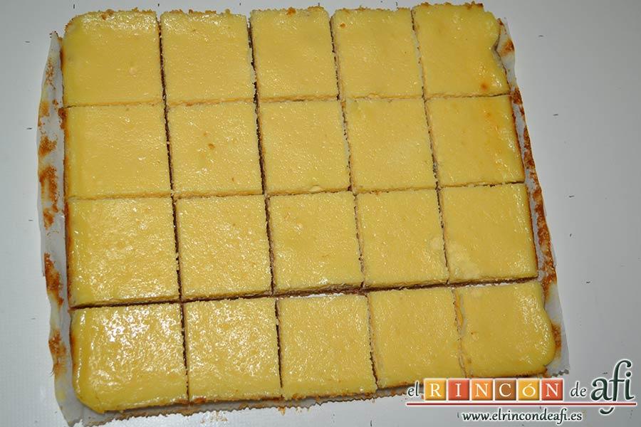Cuadrados de tarta de queso, trocear