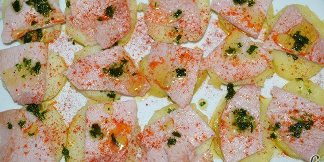 Ensalada de papas y chuletas de Sajonia