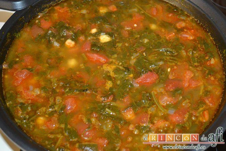 Sopa española de garbanzos y chorizo de Jamie Oliver, probar la cocción