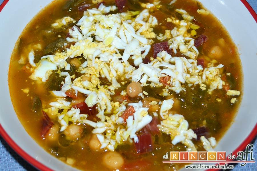 Sopa española de garbanzos y chorizo de Jamie Oliver, sugerencia de presentación
