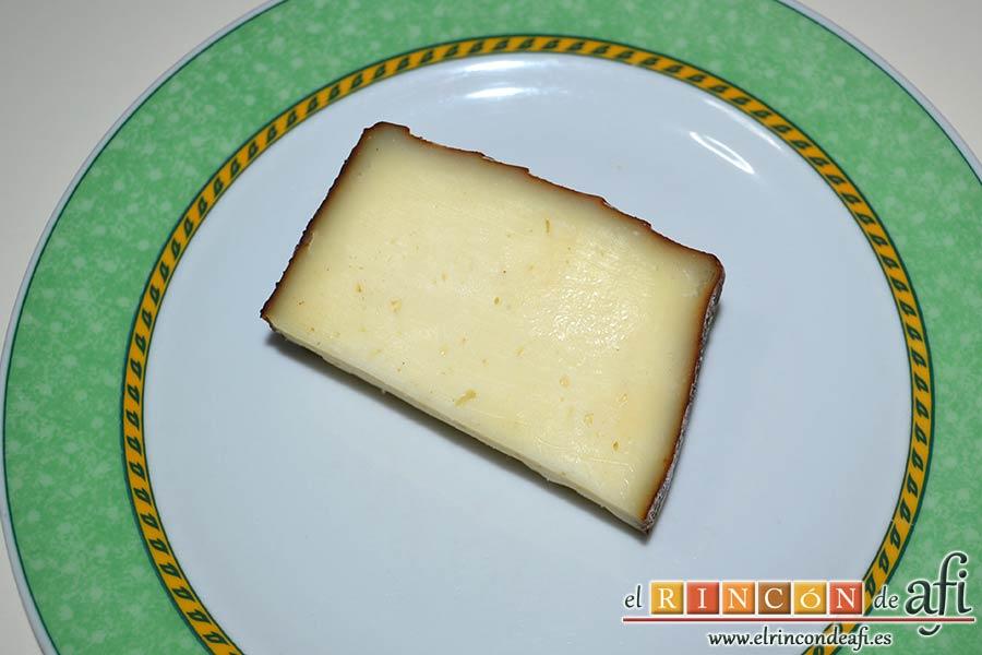 Filetes de pollo rellenos con manzanas asadas, queso y miel, preparar el queso