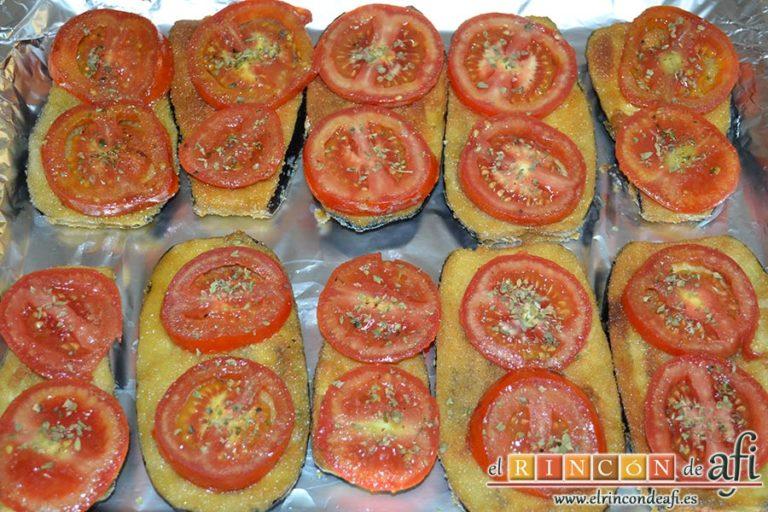 Berenjenas con tomates en rama, jamón y mozzarella, espolvorear con orégano seco