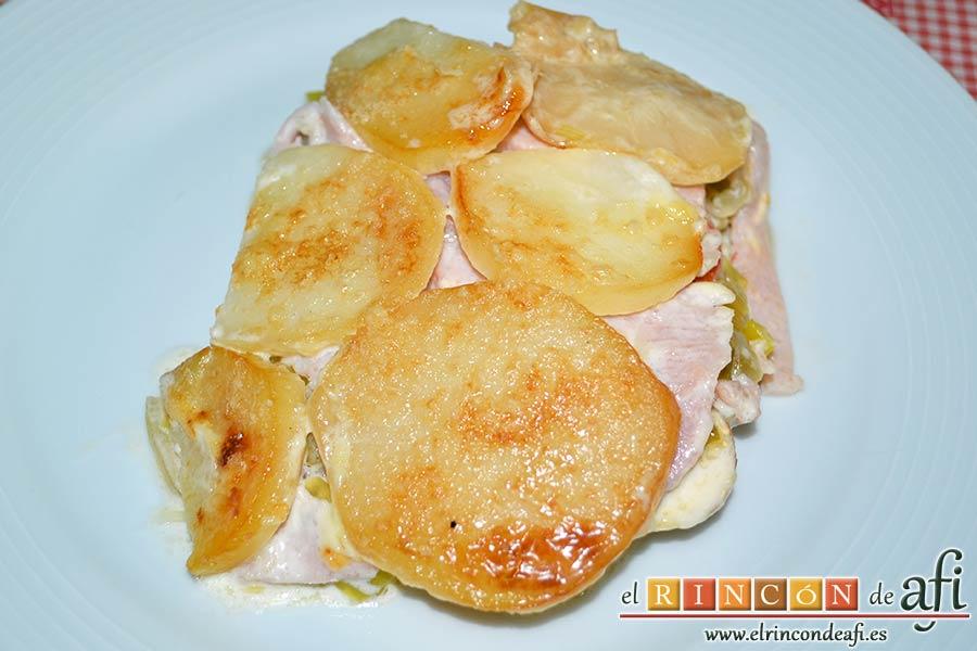 Pastel de chuletas de Sajonia con papas y verduras