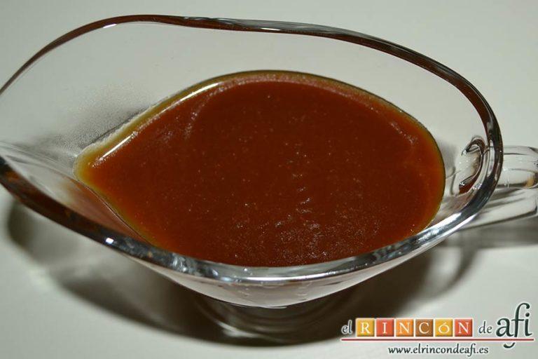 Salsa de caramelo con nata toffee, sugerencia de presentación