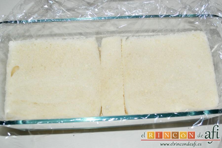 Pastel de pan de molde, cubrir con otra capa de pan de molde