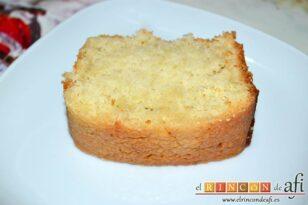 Pastel de coco con un toque de limón, sugerencia de presentación